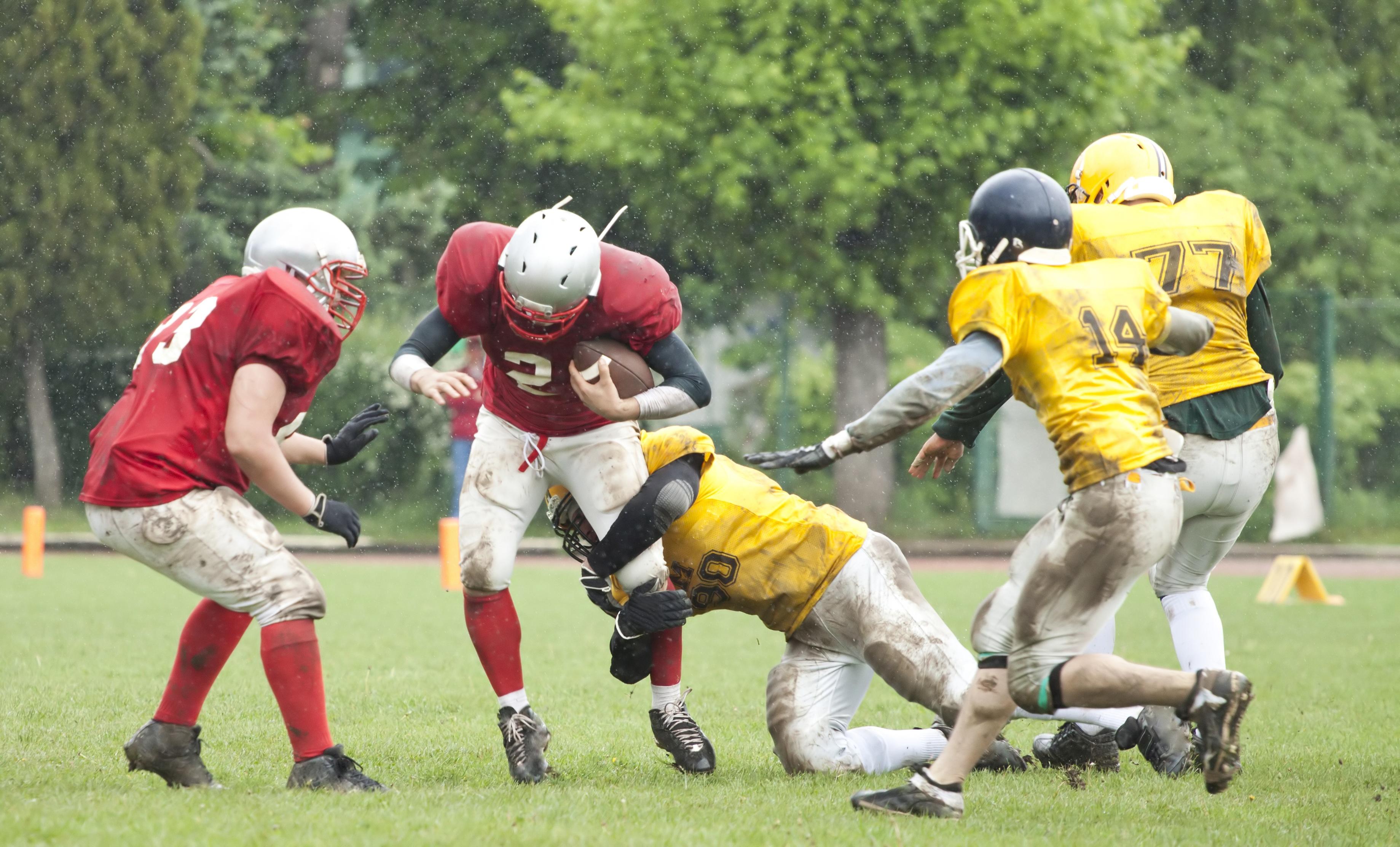 Common High School Football Injuries - Mueller Sports Medicine