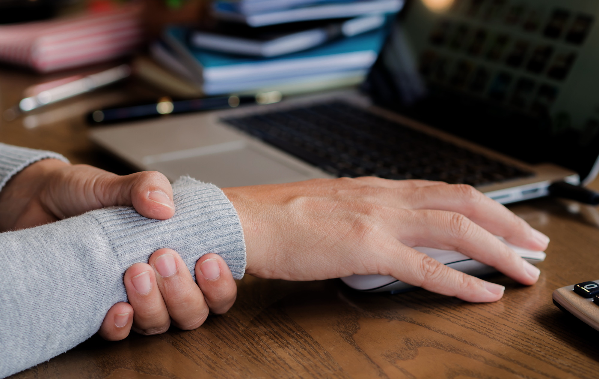 Kinesiology Tape for Carpal Tunnel / Mueller Sports Medicine