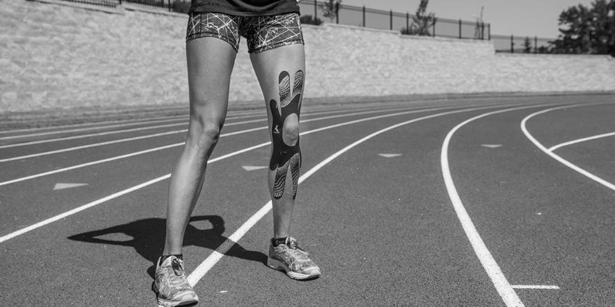 Runner's Knee   Mueller Kinesiology Tape