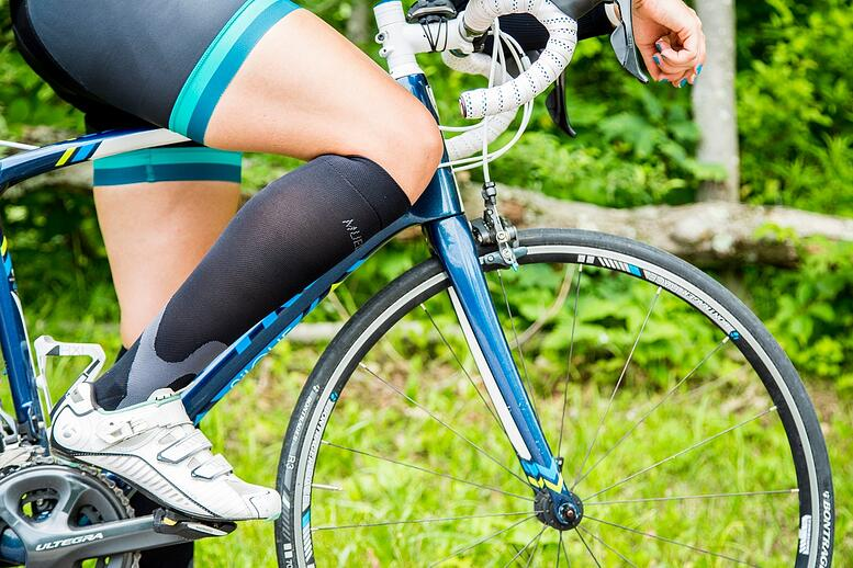 how compression socks help cyclists get more out of their ride